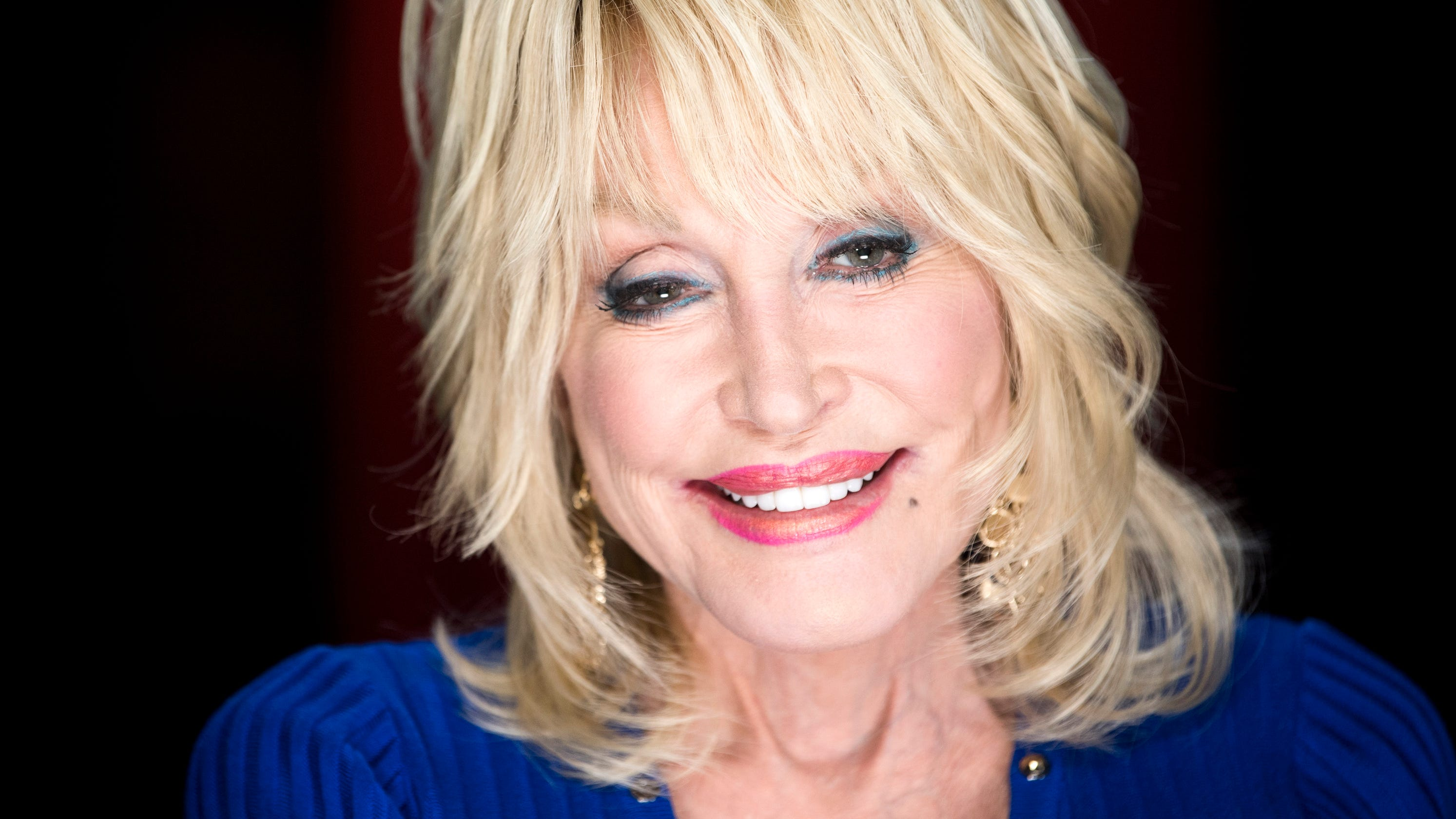 Dolly Parton New Podcast Dolly Parton S America Coming This Fall
