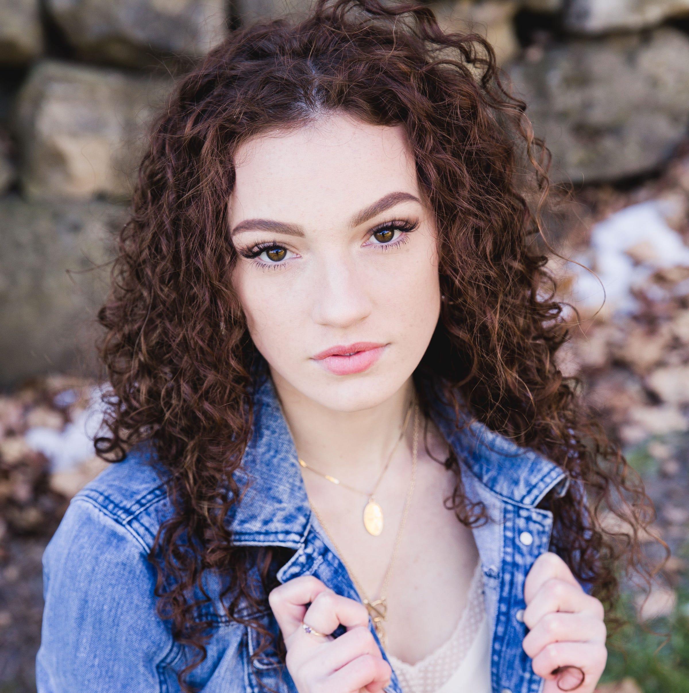 Two Rivers' Caroline Manna planning career as forensic psychologist | Stellar Students