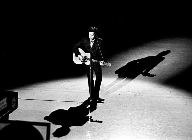 Rock legend Bob Dylan celebrates birthday in Silver City