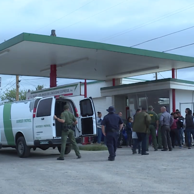 Border Patrol drops off migrants for first time at a private bus station in Las Cruces