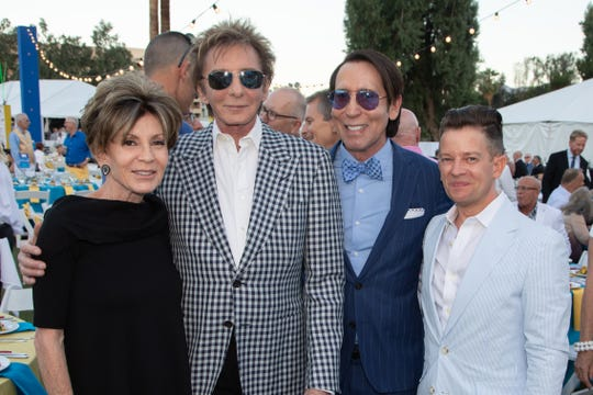 From left: Terri Ketover, Barry Manilow, Kevin Bass and Brent Bloesser
