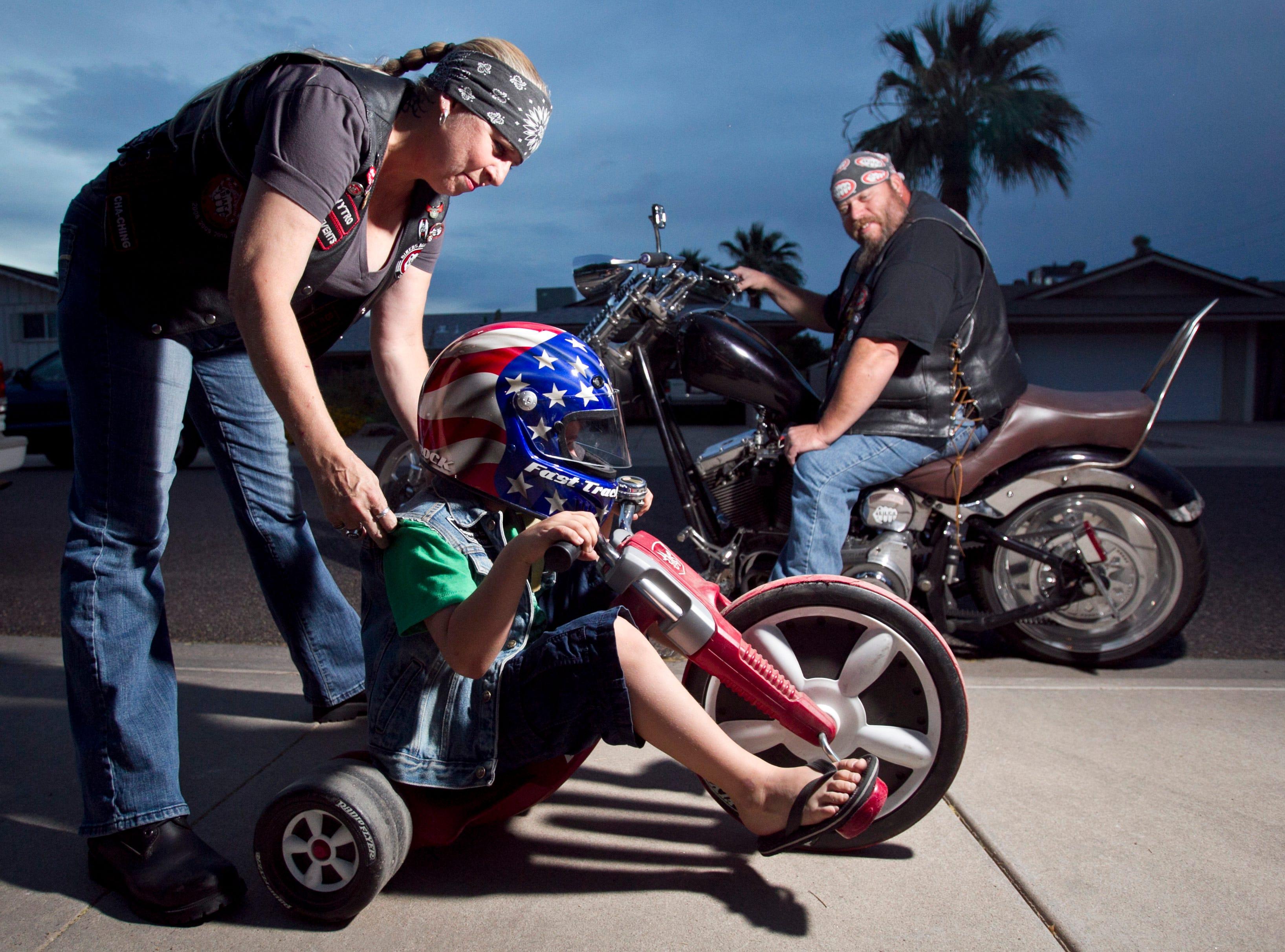 My Grandma/'s A Biker White Kids Baby Children/'s Motorcyle Slogan T-Shirts