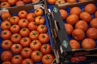 Subirá precio del tomate en EEUU por aranceles; calor alcanzará cifras récords en Arizona, esto y más en el segmento de La Voz en Univisión AZ
