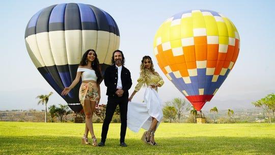 """Marco Antonio Solís """"El Buki"""" y sus hijas Alison (i) y Marla (d) durante la grabación su primer trabajo en conjunto, el sencillo """"¿Dónde estará mi primavera?""""."""