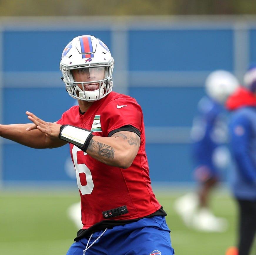 Derek Anderson's retirement could open door for Tyree Jackson as Bills'  third QB