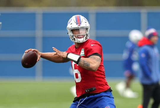 Tyree Jackson throws a pass Friday during the Bills rookie mini-camp.