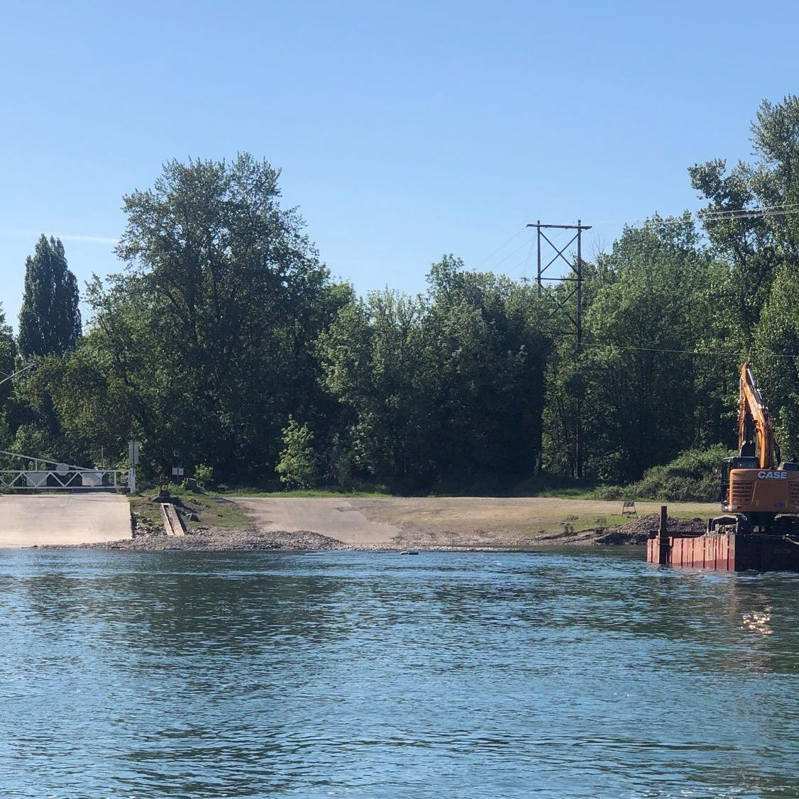 Wheatland Ferry reopens following dredging operation on Willamette River
