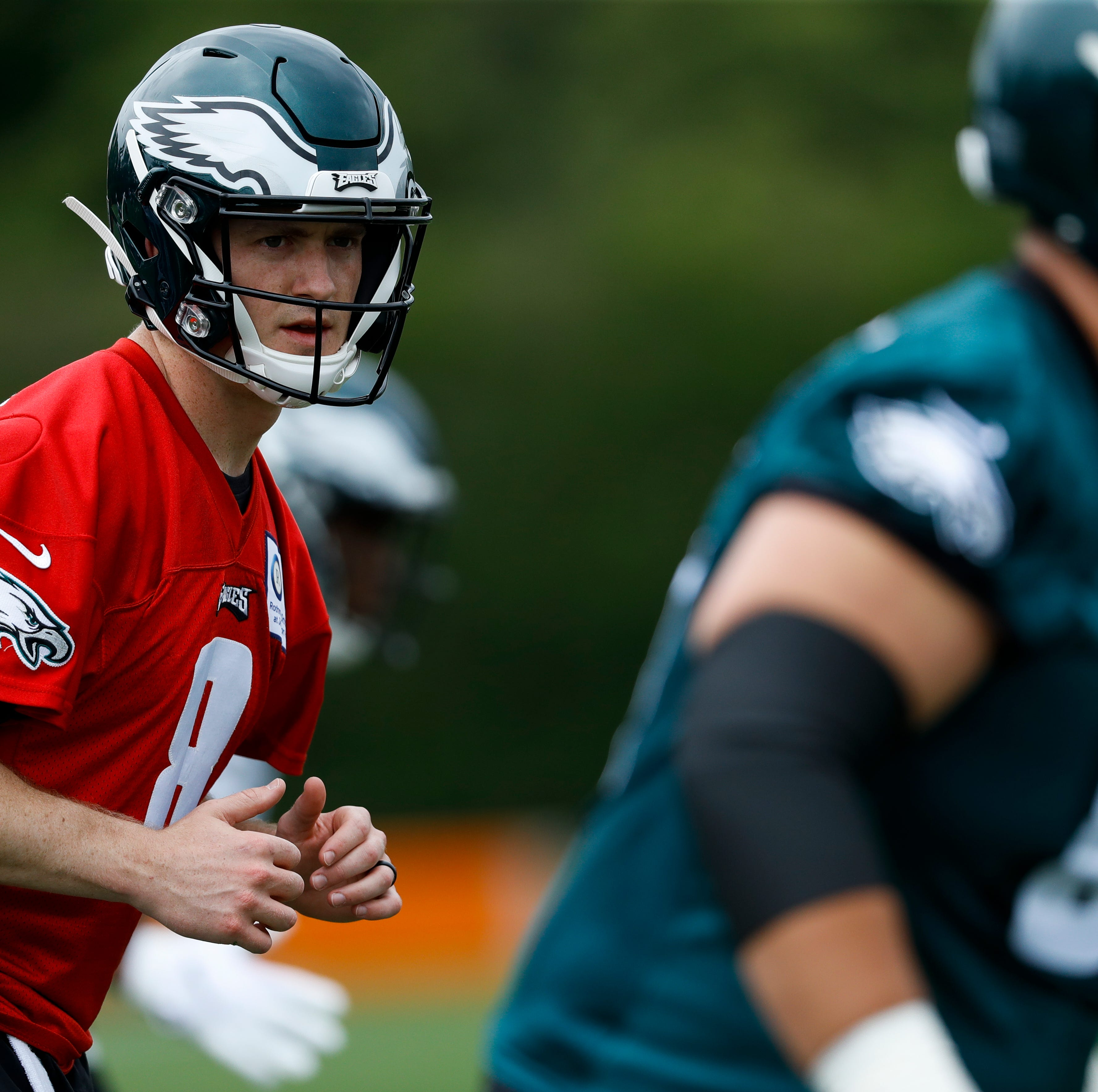 With Carson Wentz's status uncertain, Eagles rookie Clayton Thorson tries to learn quickly