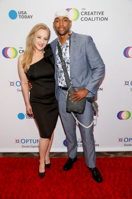 WASHINGTON, DC - MAY 09: (L-R) Actress Wendi McClendon-Covey and Optune Patient Ambassador Osmond Nicholas at the Creative Coalition's 2019 #RightToBearArts Gala Presented By Optune on May 09, 2019 in Washington, D.C. (Photo by Paul Morigi/Getty Images The Creative Coalition) ORG XMIT: 775330972 ORIG FILE ID: 1148120135