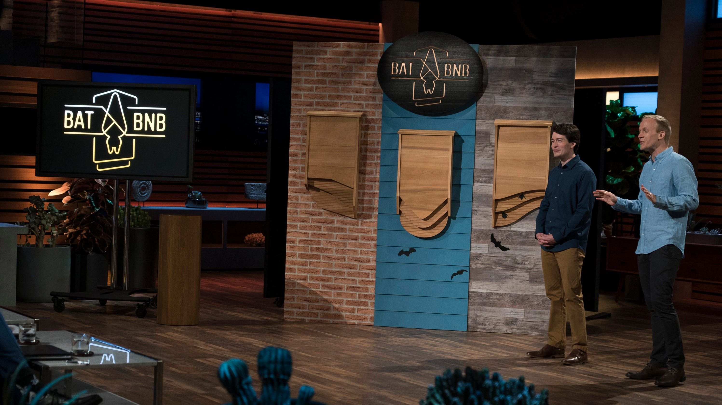 Shark Tank Kevin Oleary Goes Batty For The Bat Bnb
