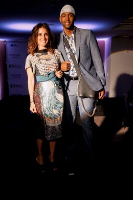 WASHINGTON, DC - MAY 09: Actress Shiri Appleby and Optune Patient Ambassador Osmond Nicholas walk the runway during the Creative Coalition's 2019 #RightToBearArts Gala Presented By Optune on May 09, 2019 in Washington, D.C. (Photo by Paul Morigi/Getty Images The Creative Coalition) ORG XMIT: 775330972 ORIG FILE ID: 1148120220
