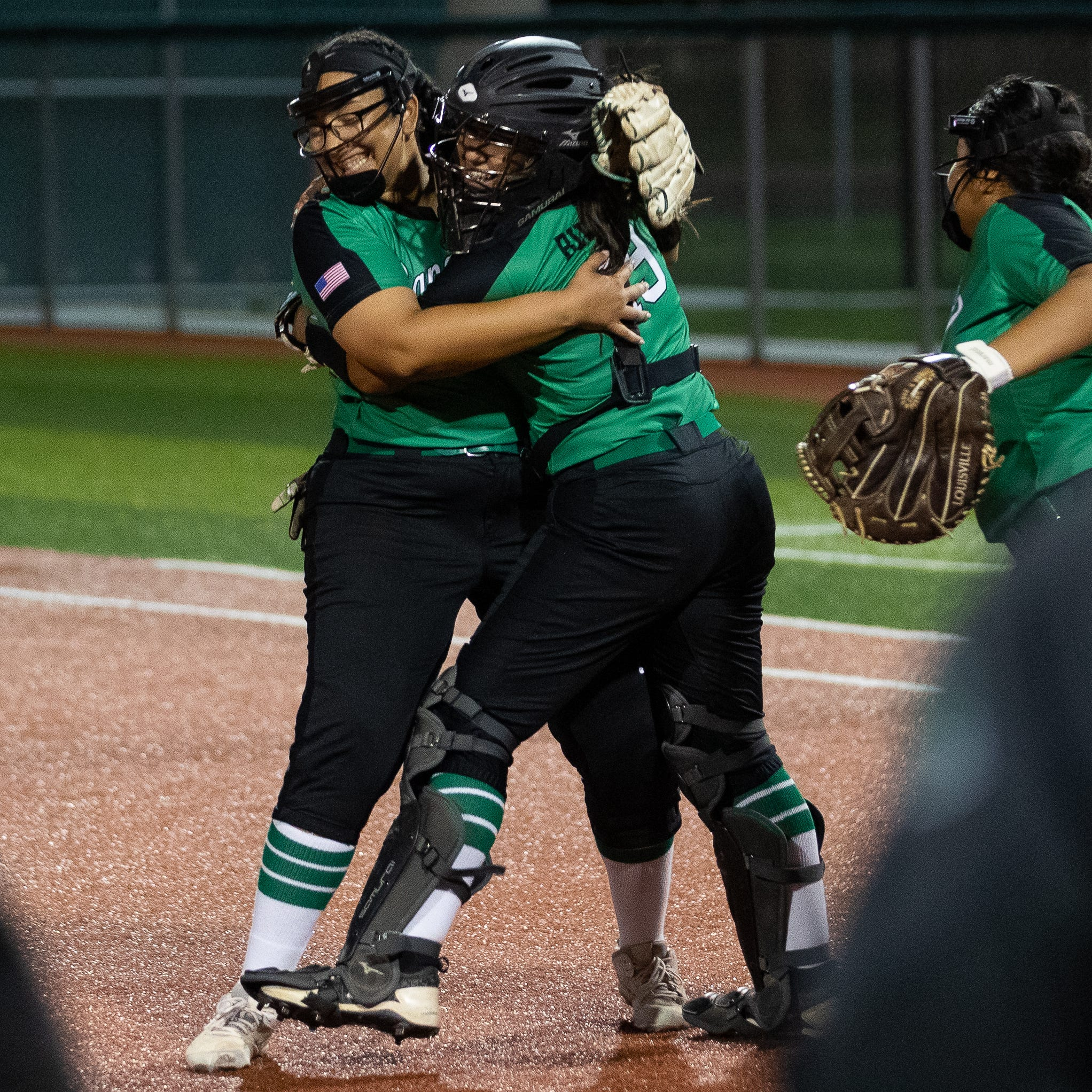 High School Softball: Banquete upsets rival Bishop in regional quarterfinals