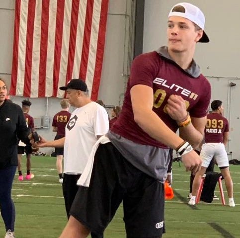 Illinois Nazareth Academy quarterback J.J. McCarthy commits to Michigan for 2021