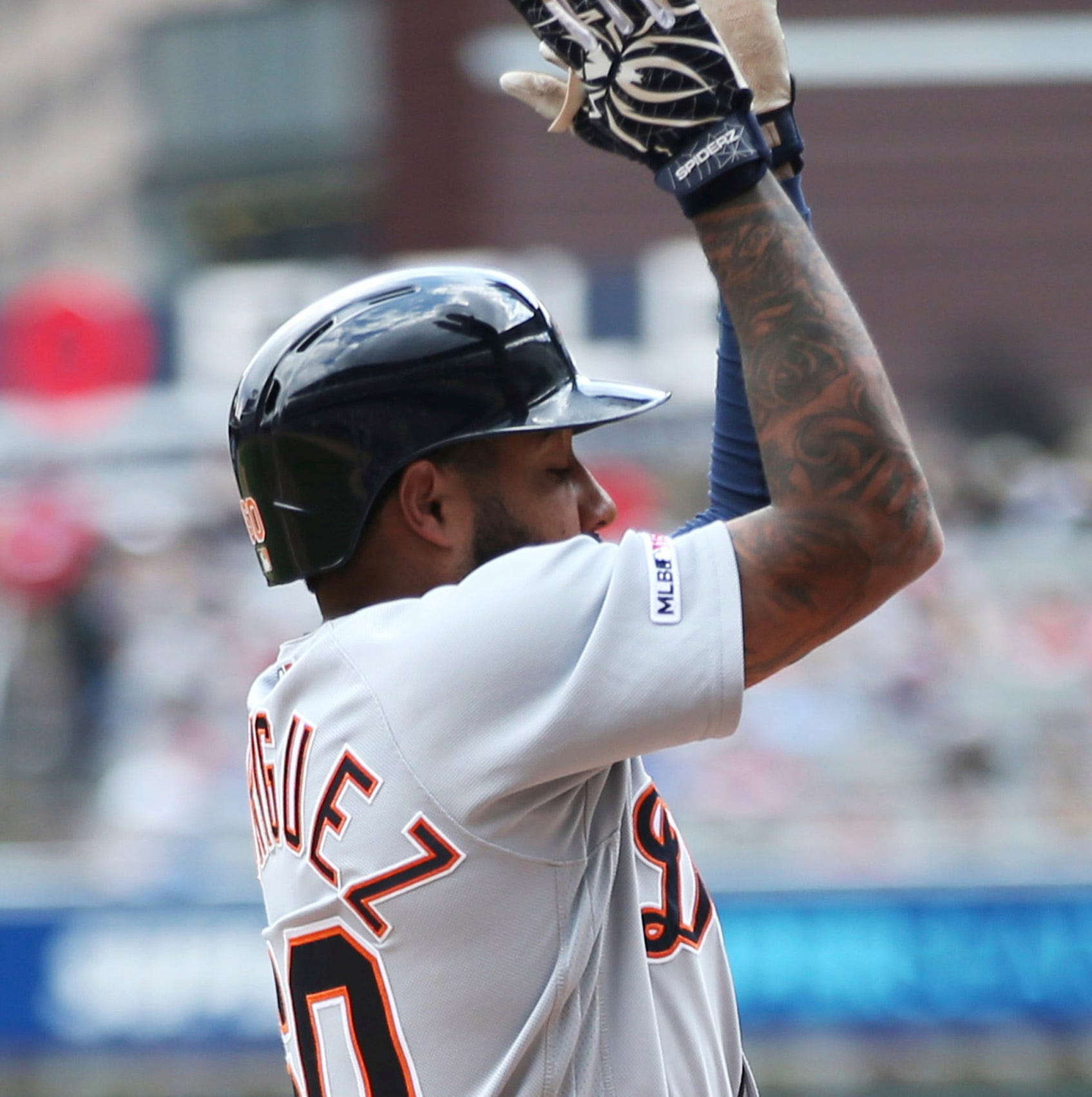 Tigers power way to Game 1 victory over Twins, Gardenhire ejected