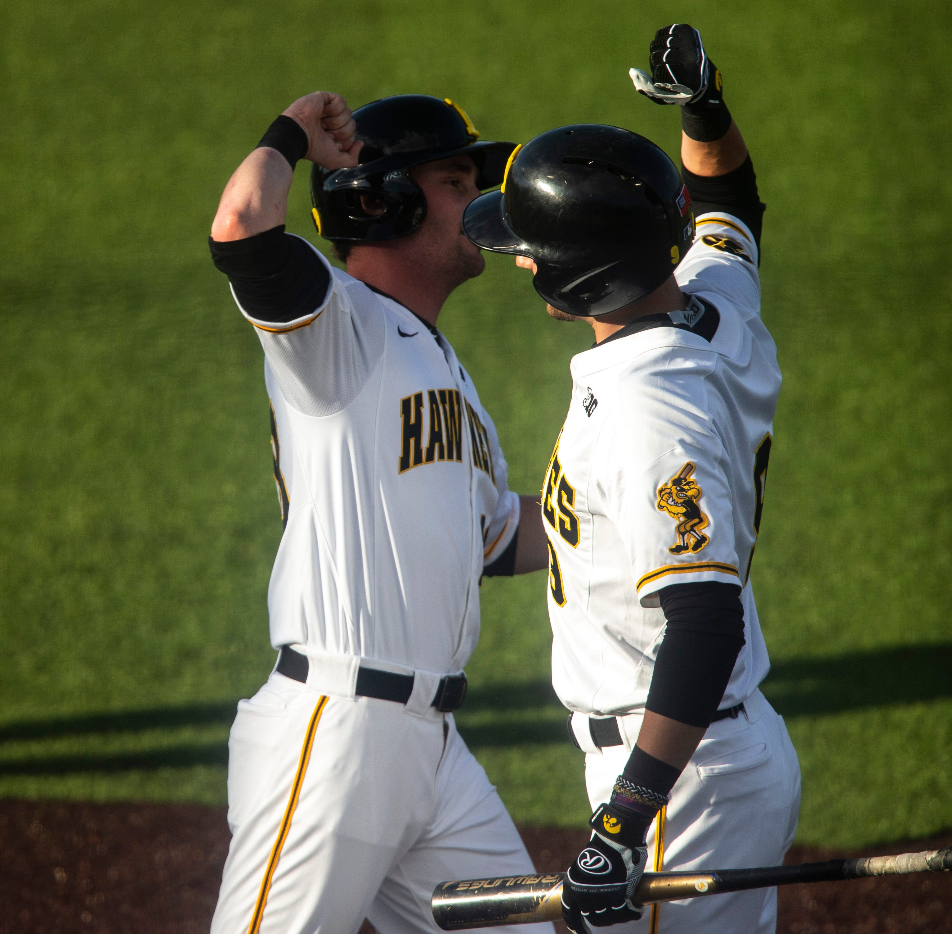 Hawkeyes take seesawing series opener against Michigan State