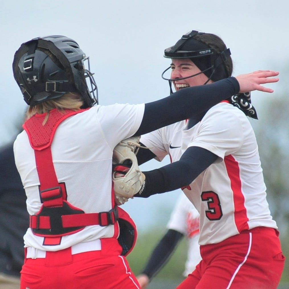 Champs! Bucyrus flips the script on Crestview in sectional final
