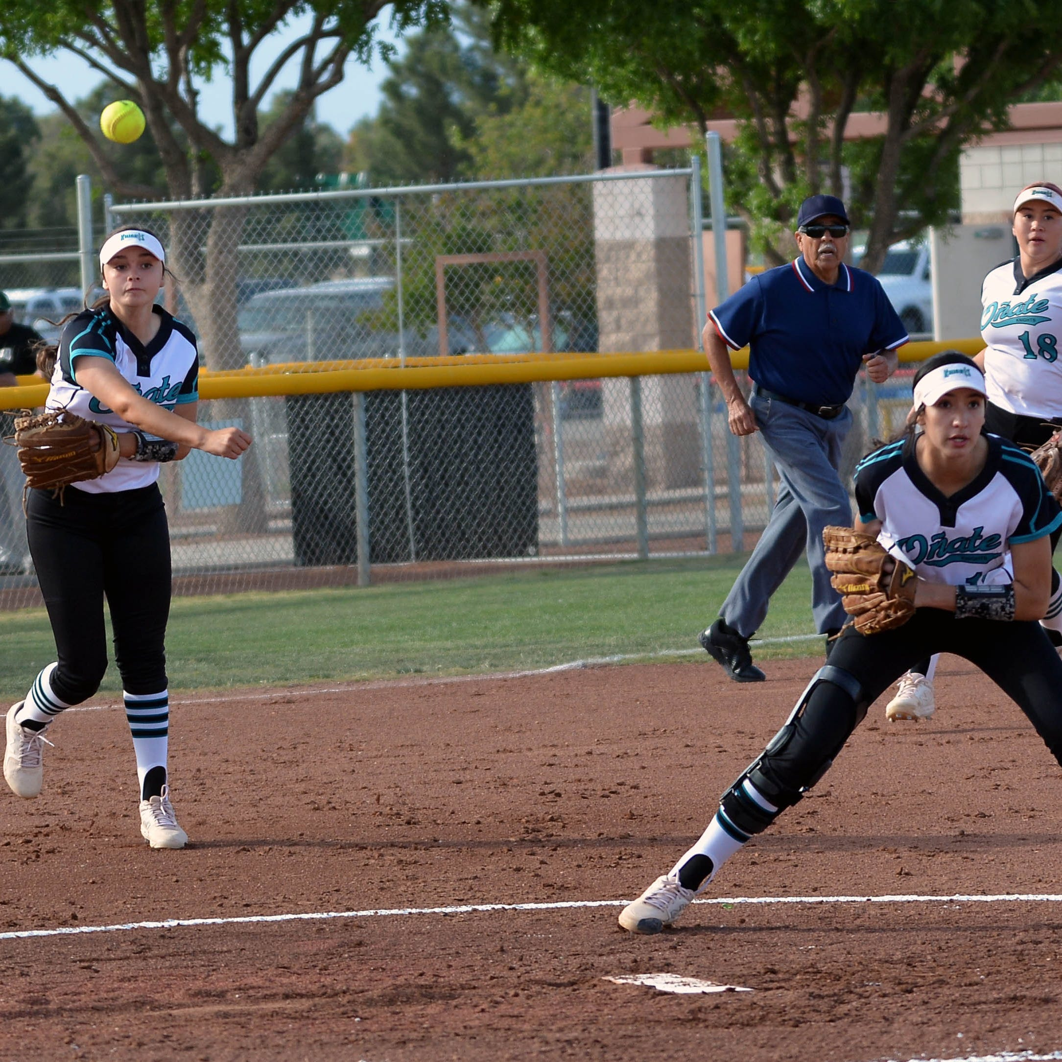 Hobbs rallies to knock off Oñate in state softball tournament