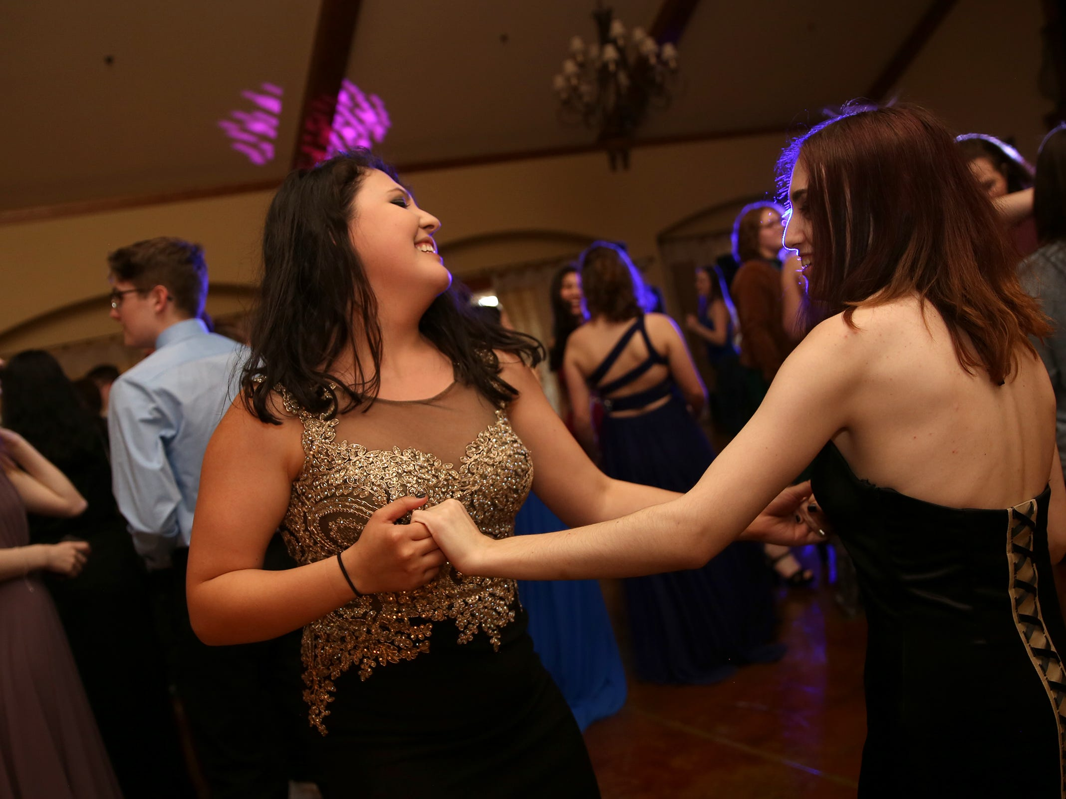 Students dance during the Sprague High School prom at Zenith Vineyard in West Salem on May 10, 2019.