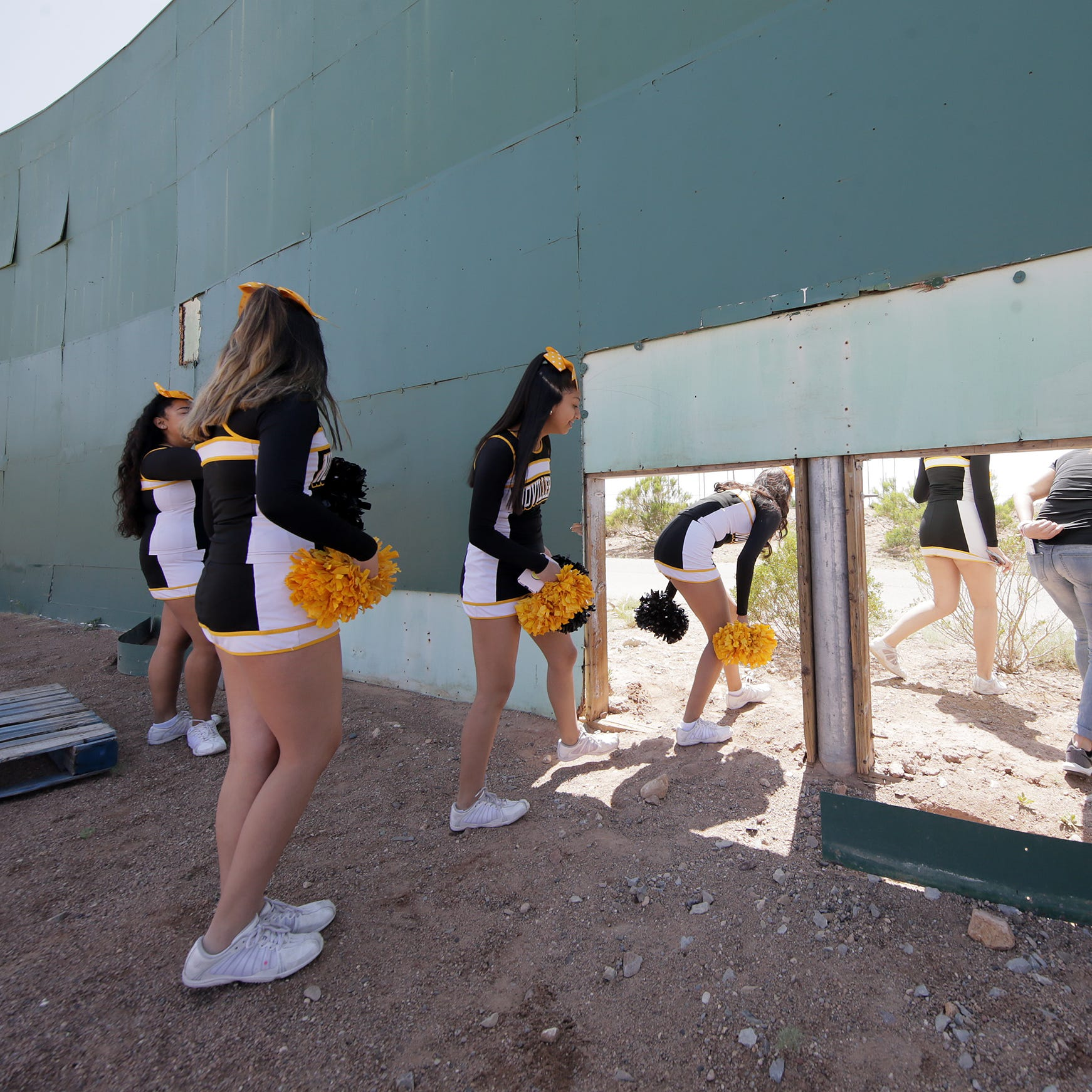 El Pasoans get to take selfies, say goodbye to Cohen Stadium before it is razed