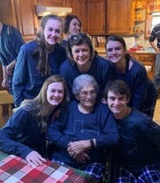 Mindy Myers with her mother Dot and four children Temi (from left to right), Myca, Macy and Tod at Christmas 2018.