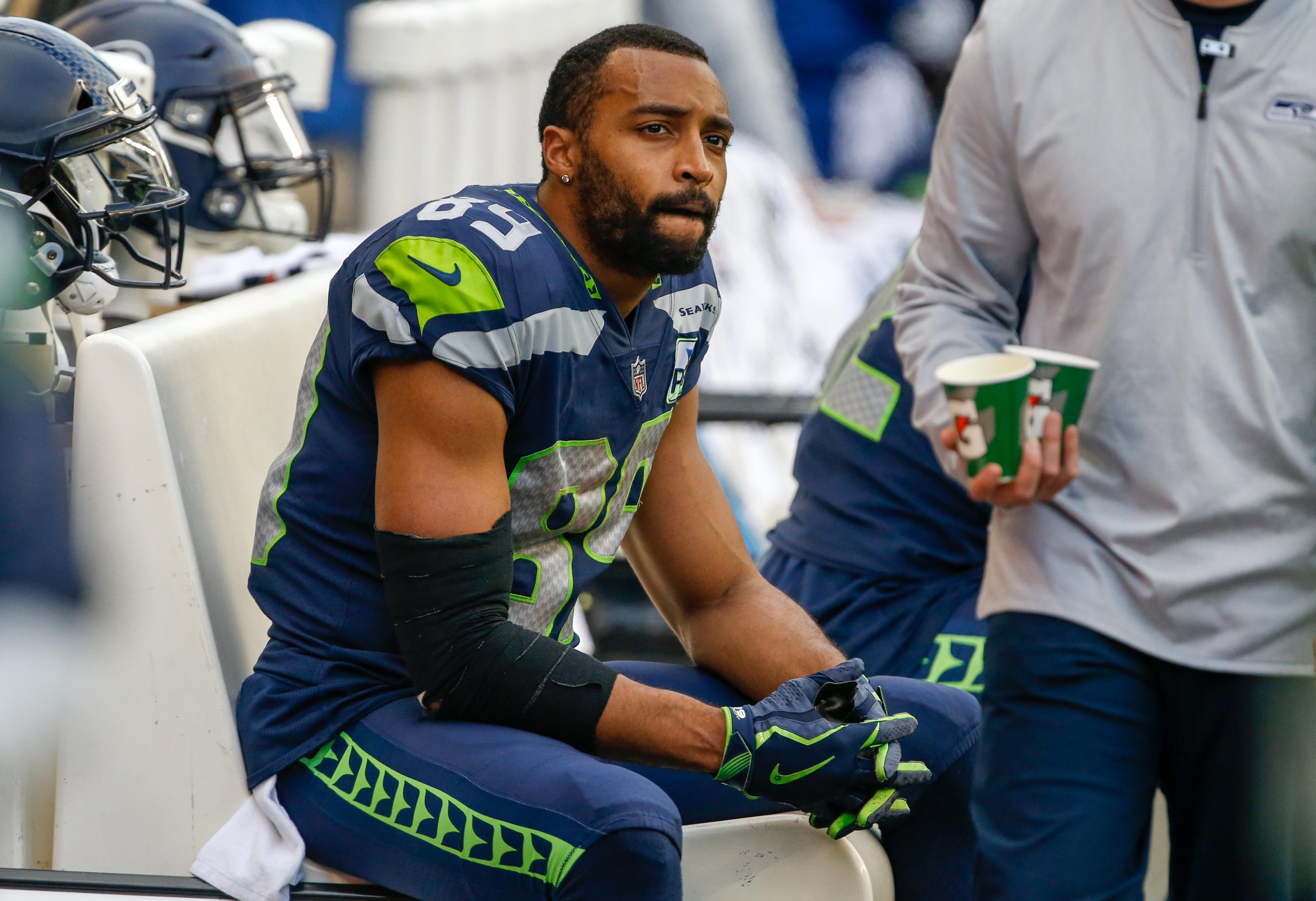 Opinion: NFL players aren't cyborgs; more big names are released due to their broken bodies