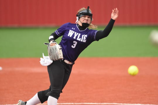 Wylie's Kaylee Philipp (3) pitches against Lubbock Coronado during the 2019 Region I-5A quarterfinal series. Philipp will continue her softball career in college at ACU.