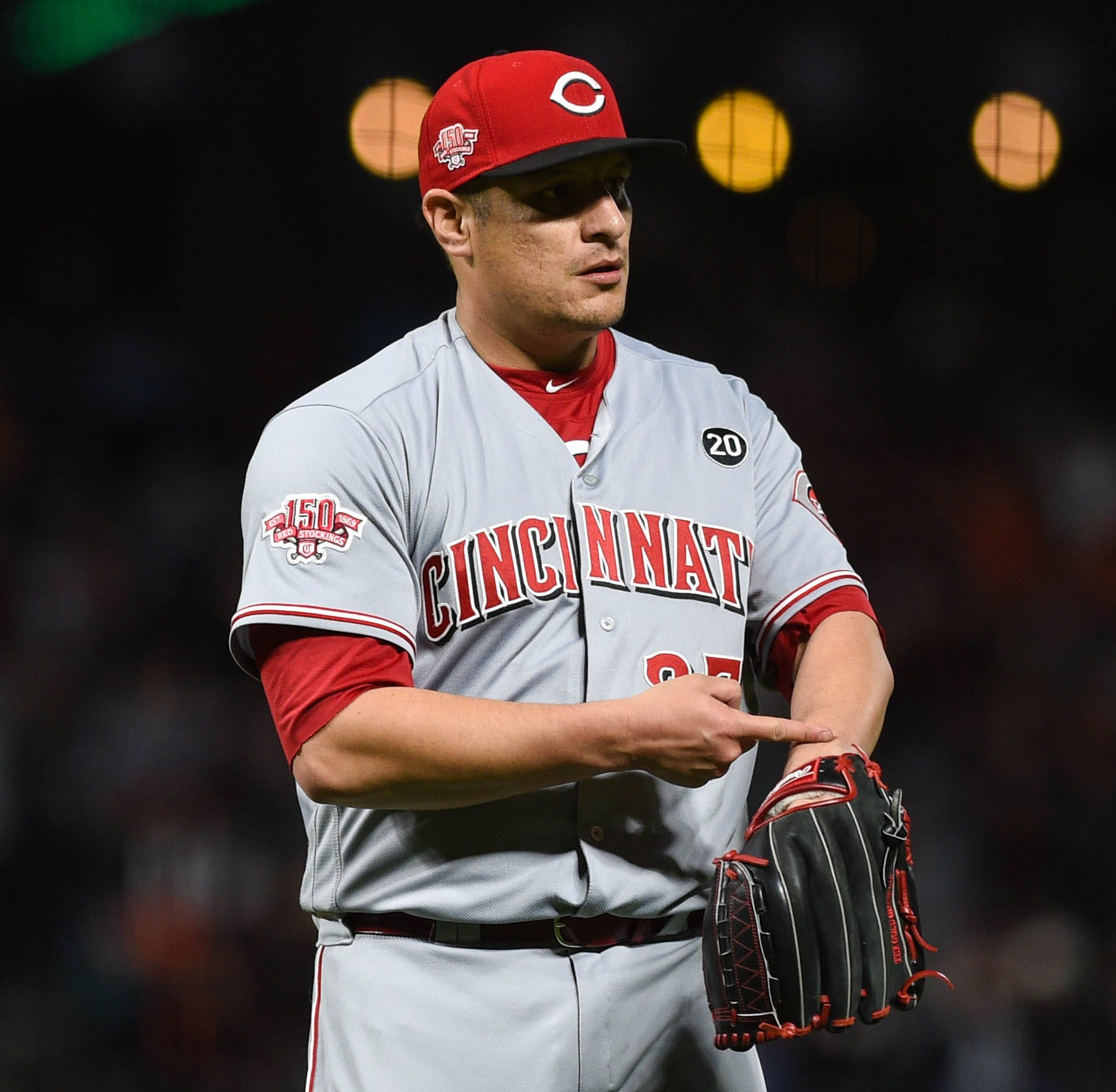 David Hernandez, bullpen dominant in Cincinnati Reds' win over San Francisco Giants