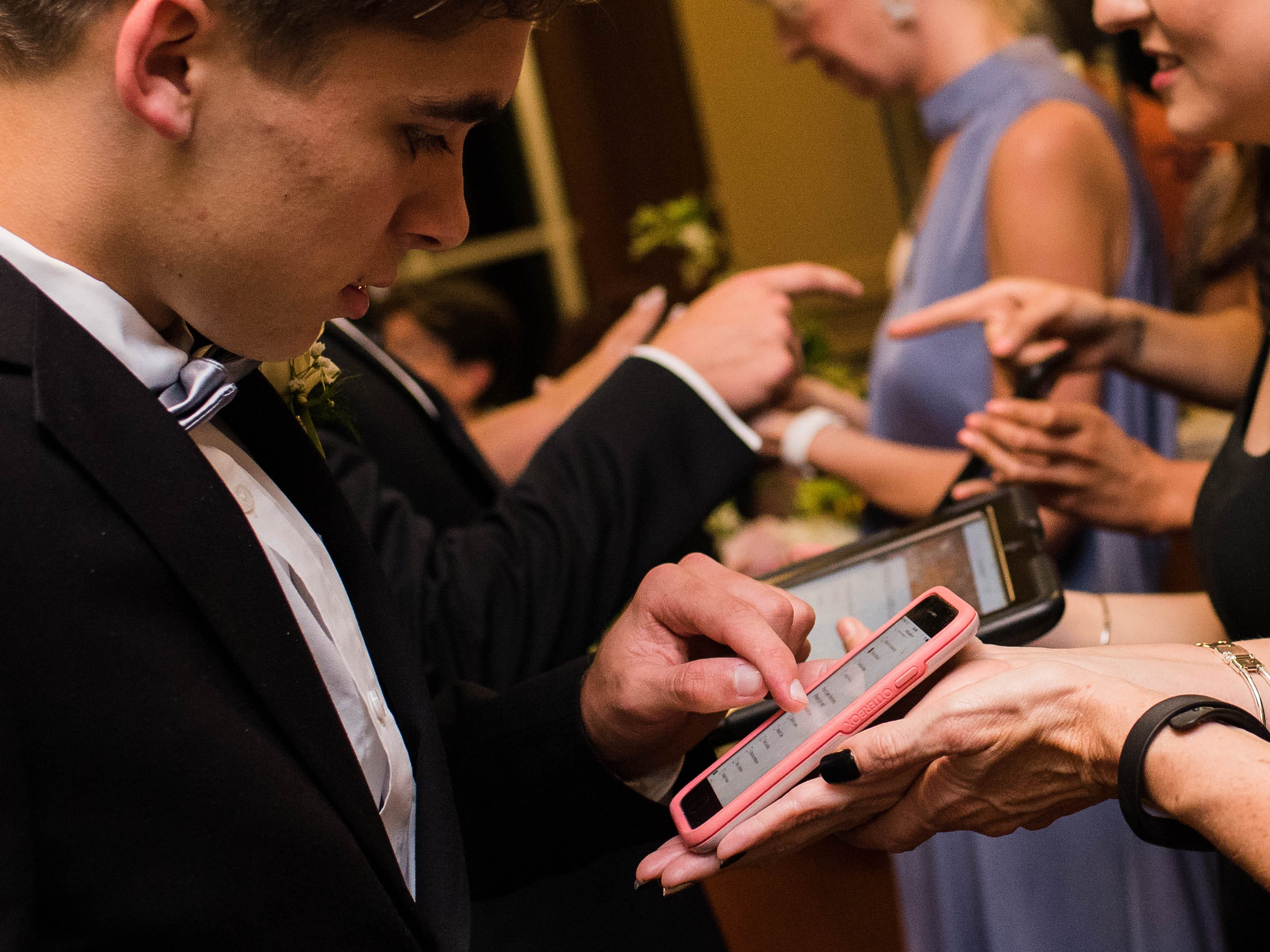 Digital check-in made arriving for Senior Prom at Valor Hall in Oak Grove, Kentucky an easy task for students and teachers alike.