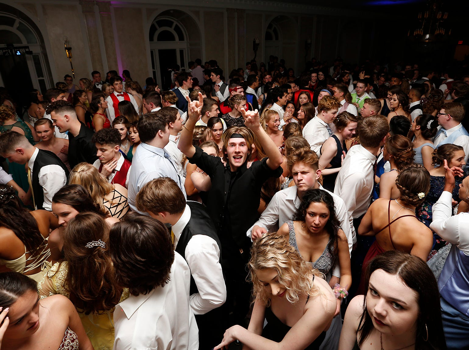 Fond du Lac High School held it's prom Saturday, May 11, 2019 at the Retlaw Hotel ballroom in Fond du Lac, Wis. Doug Raflik/USA TODAY NETWORK-Wisconsin