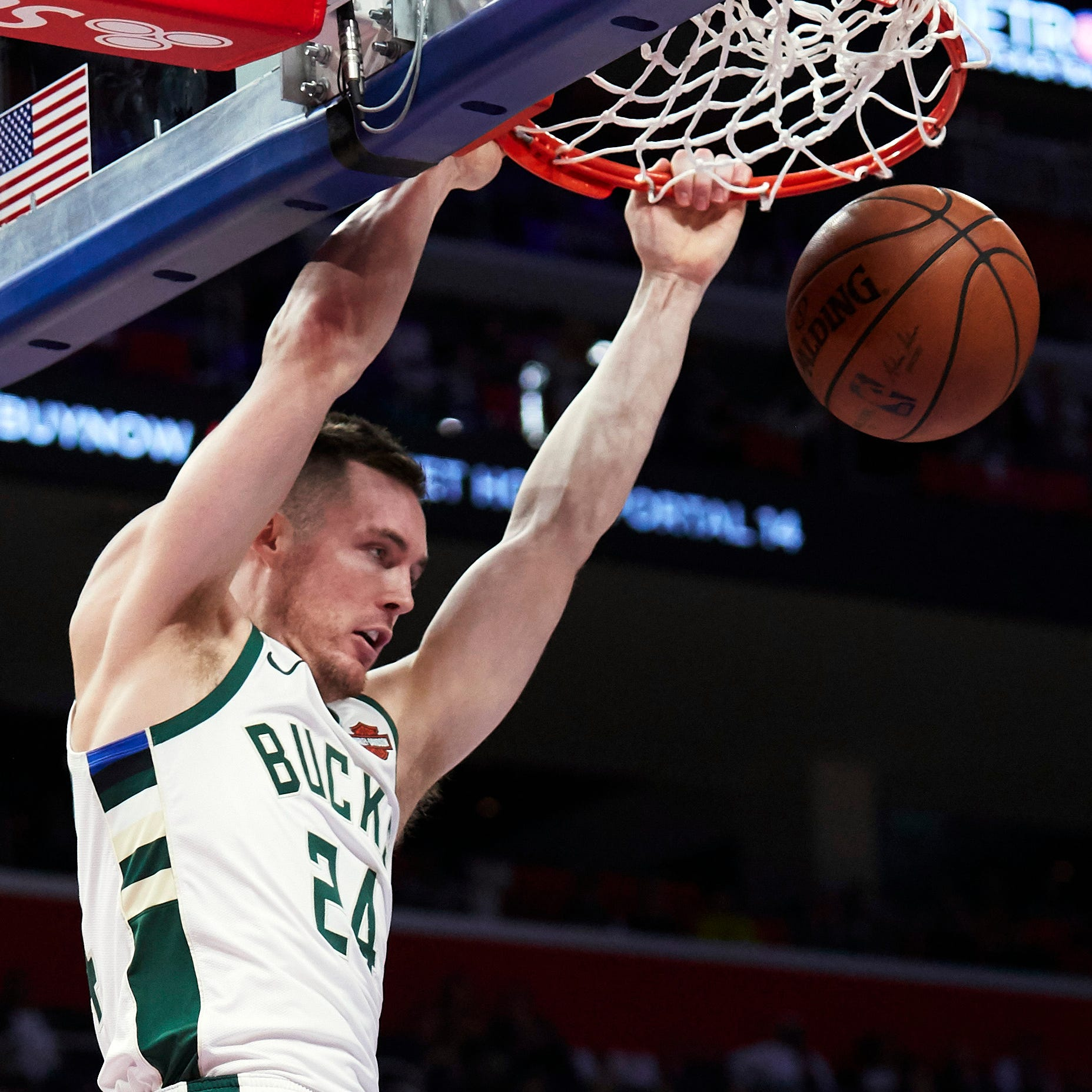 Nickel: Pat Connaughton's Irish roots run deep; Bucks guard also has affinity for Nikes