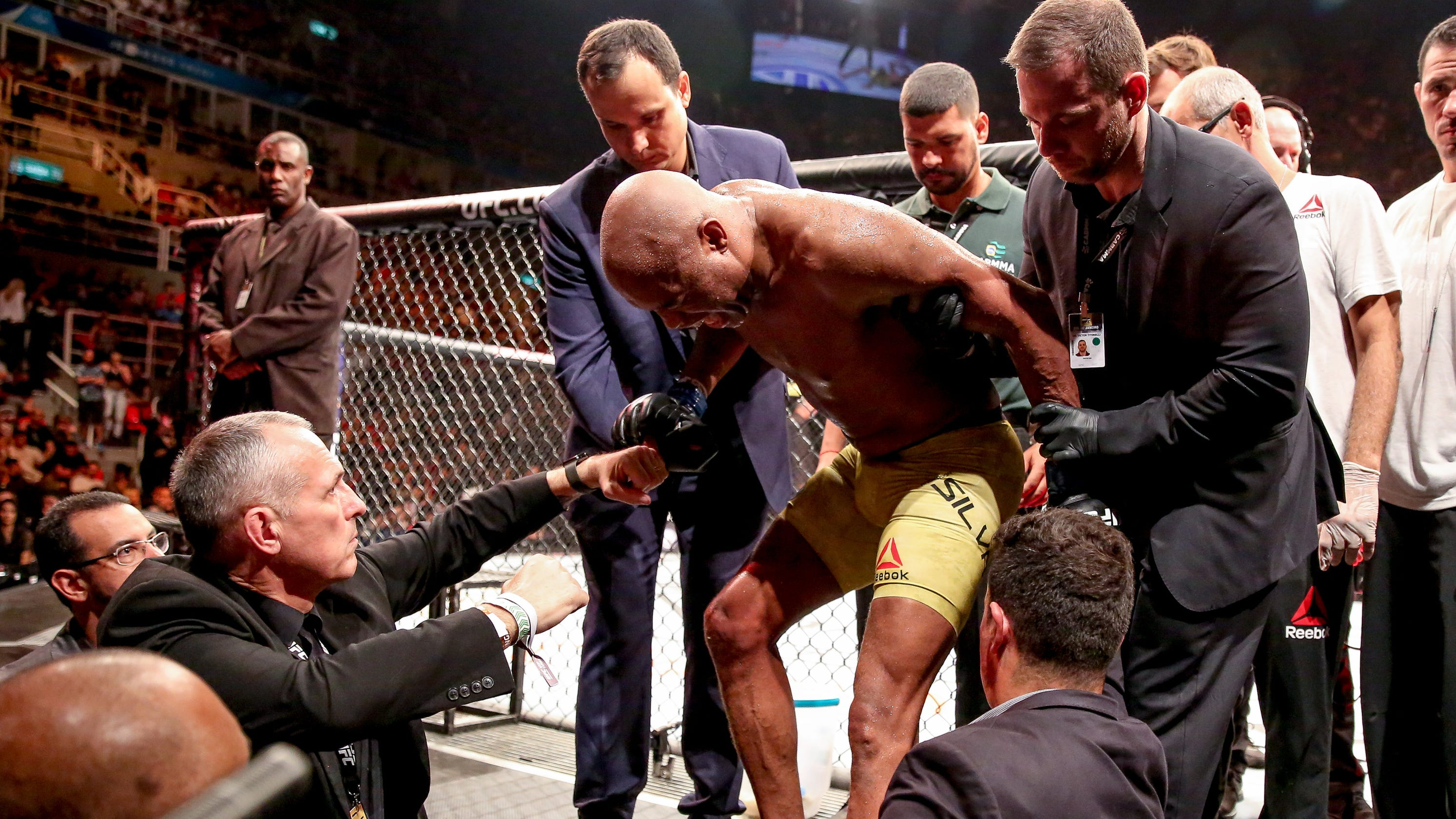 UFC 237: Anderson Silva loses via TKO after suffering