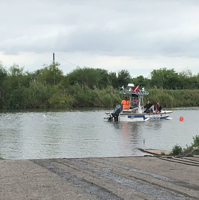 Corpus Christi police: Vehicle in Nueces River by Labonte Park, driver not found
