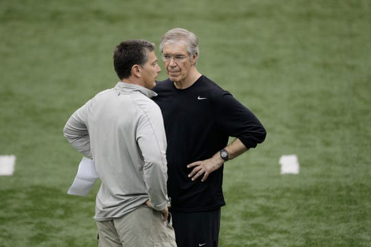 Detroit Lions defensive coordinator Gunther Cunningham, right, talks with head coach Jim Schwartz at an NFL football practice in Allen Park, Mich., Tuesday, May 29, 2012.