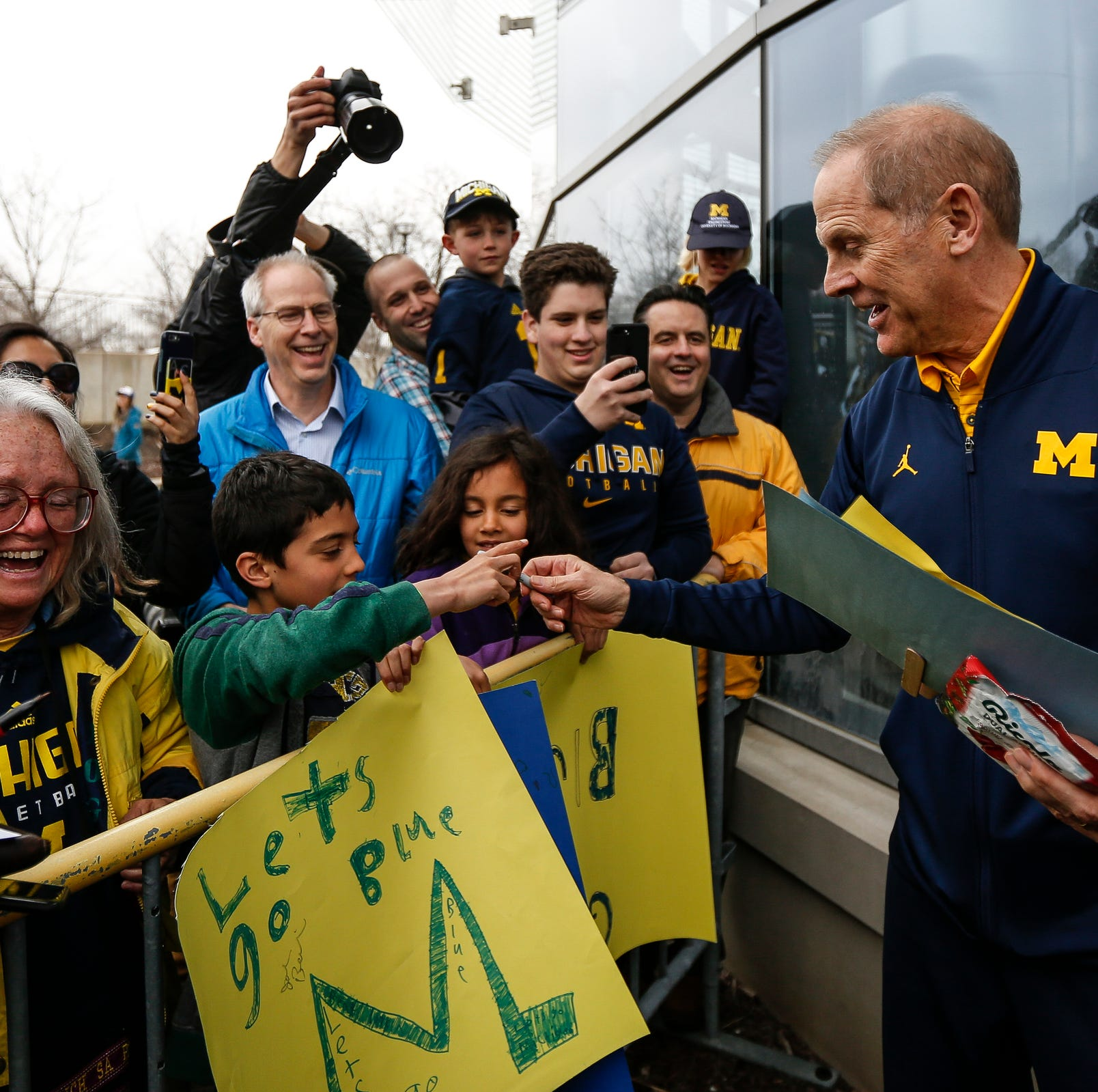 Michigan basketball fans melt down after John Beilein departs: 'Punch me in the face'