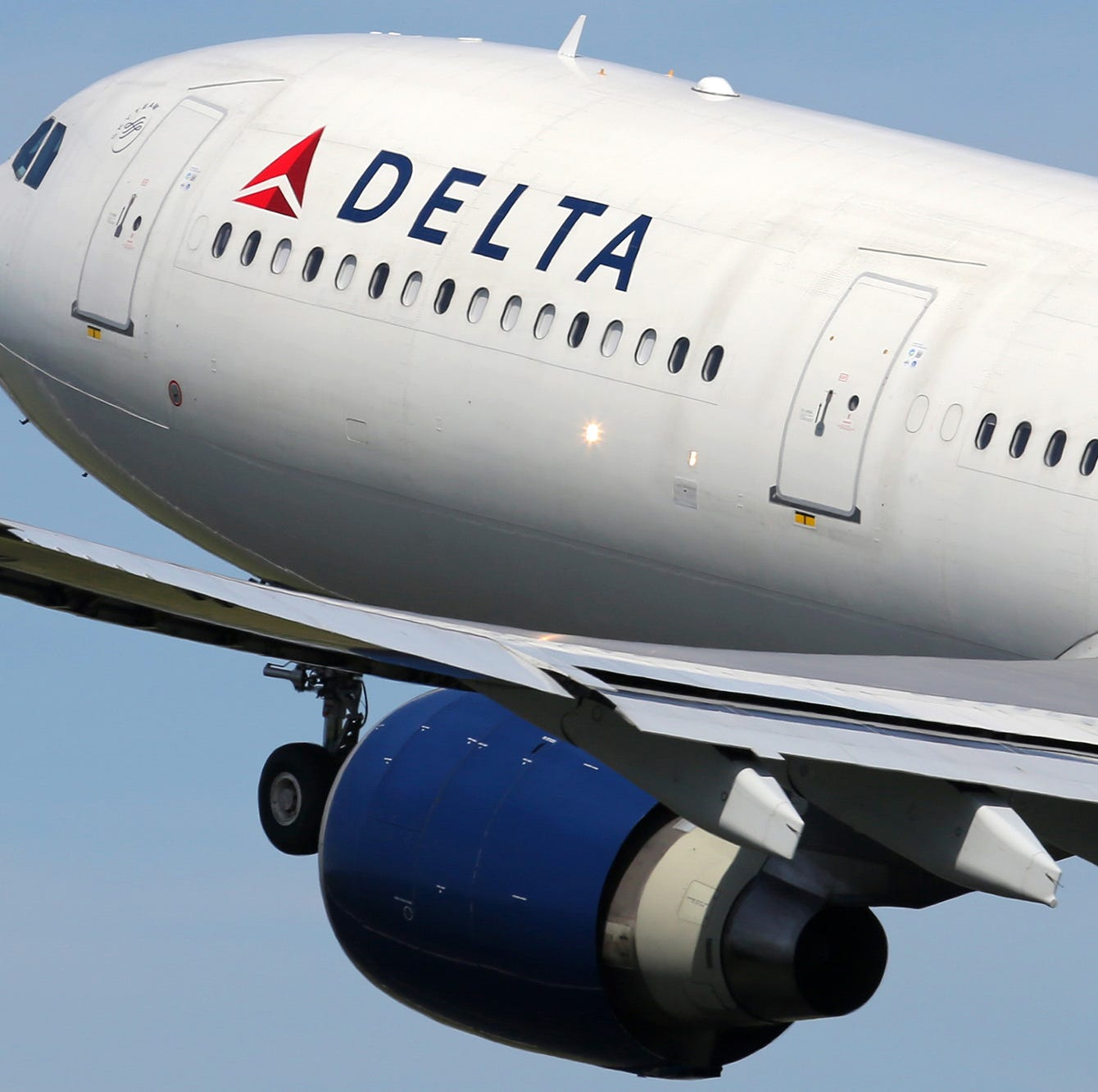 Delta Air Lines to test free in-flight Wi-Fi
