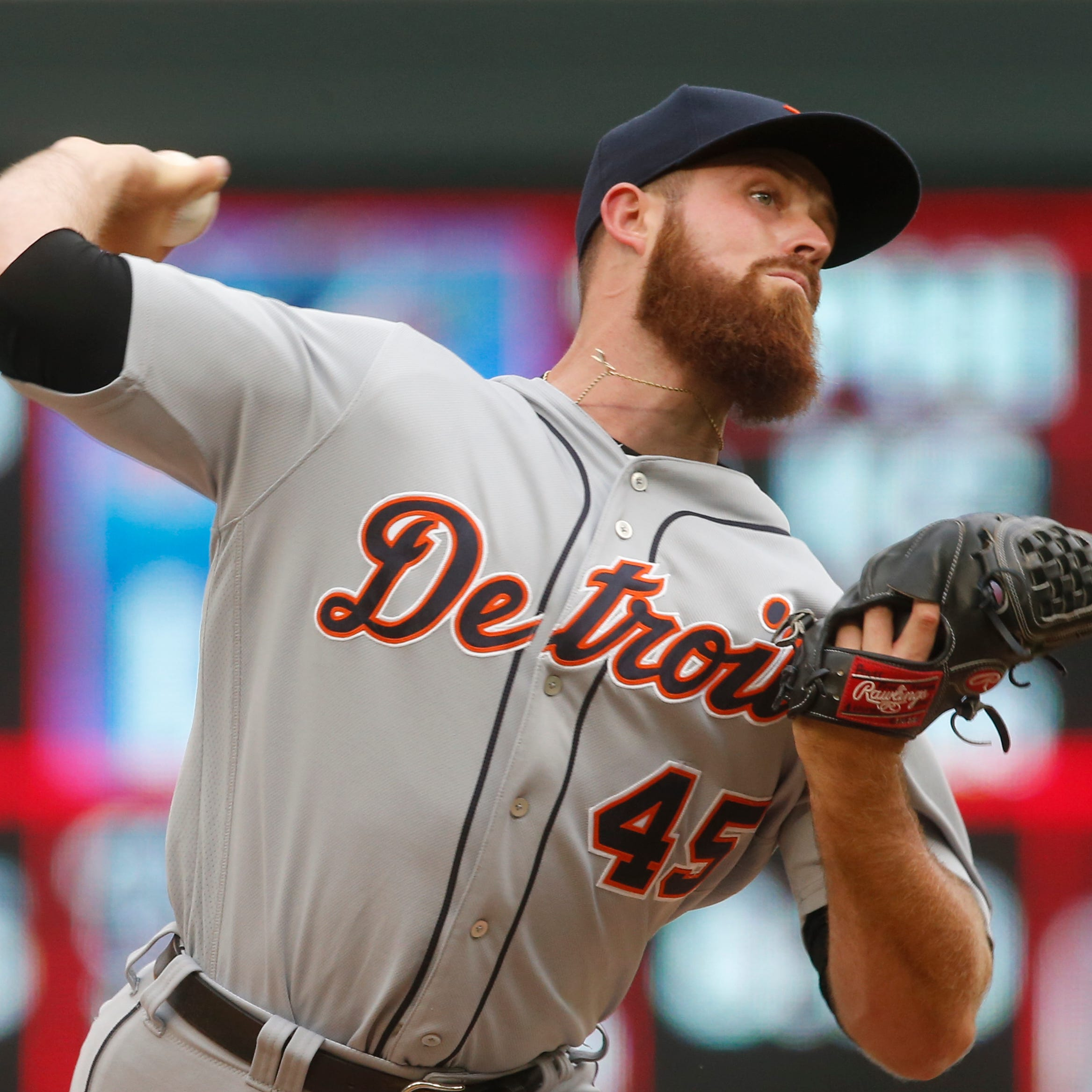 Big Buck: Farmer delivers clutch K to help Tigers secure win, split with Twins