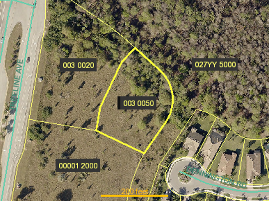 A screen capture of the Lee County Property Appraiser's website shows the lot where the city of Fort Myers is planning to build a 44-foot water tower.