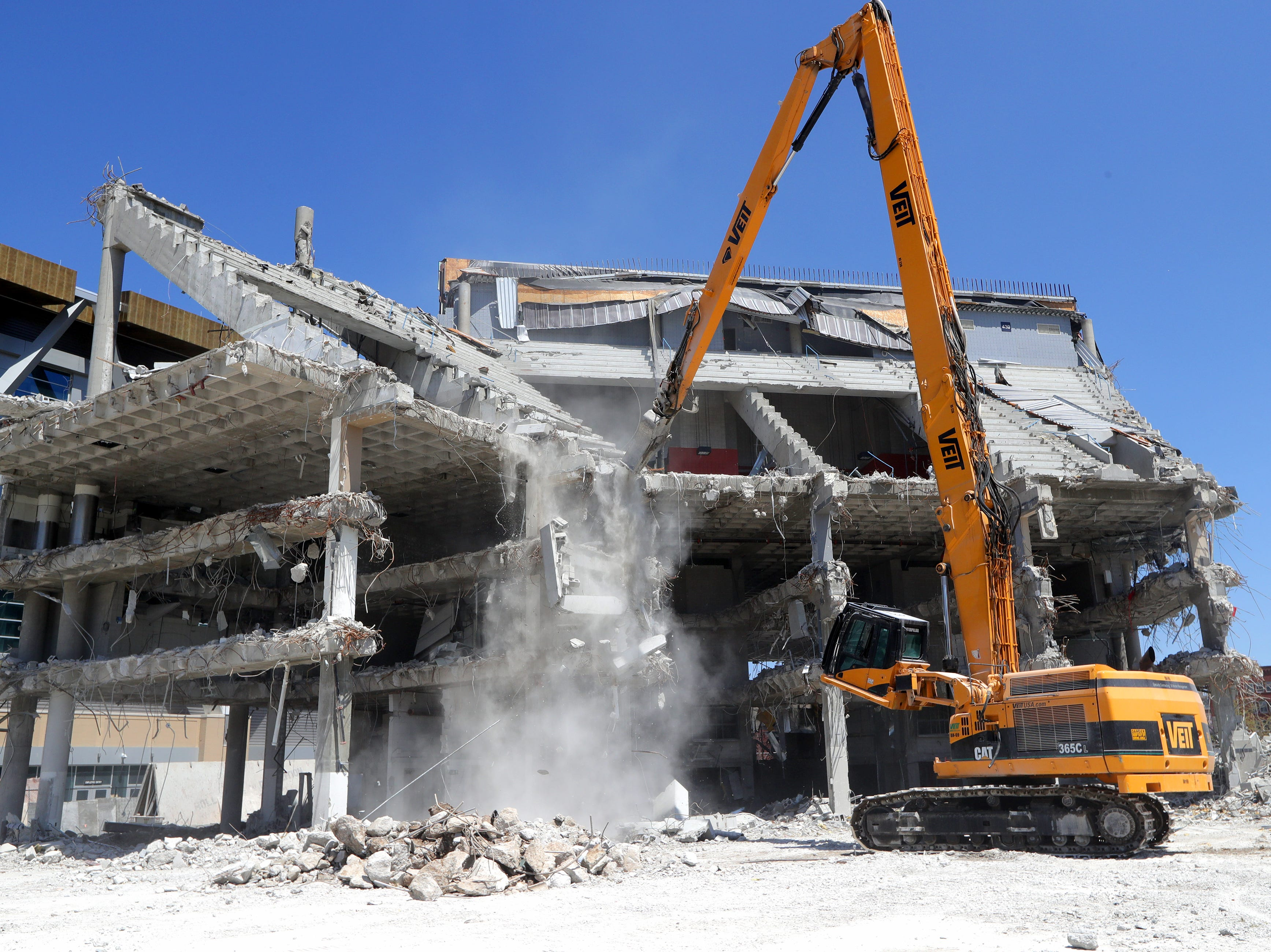 Joe McEwen, a demolition machine operator with Veit & Company, Inc. operates the high reach demolition excavatorbeing used to take down the BMO Harris Bradley Center, where the Milwaukee Bucks used to play, in Milwaukee on Monday, May 13, 2019. Photo by Mike De Sisti/Milwaukee Journal Sentinel