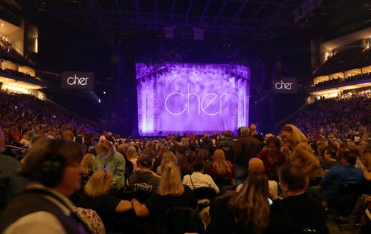 Cher makes it a Mother's Day to remember at Milwaukee concert