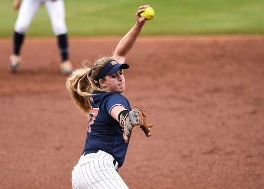 Auburn softball player Lexie Handley (No. 27) delivers a pitch.
