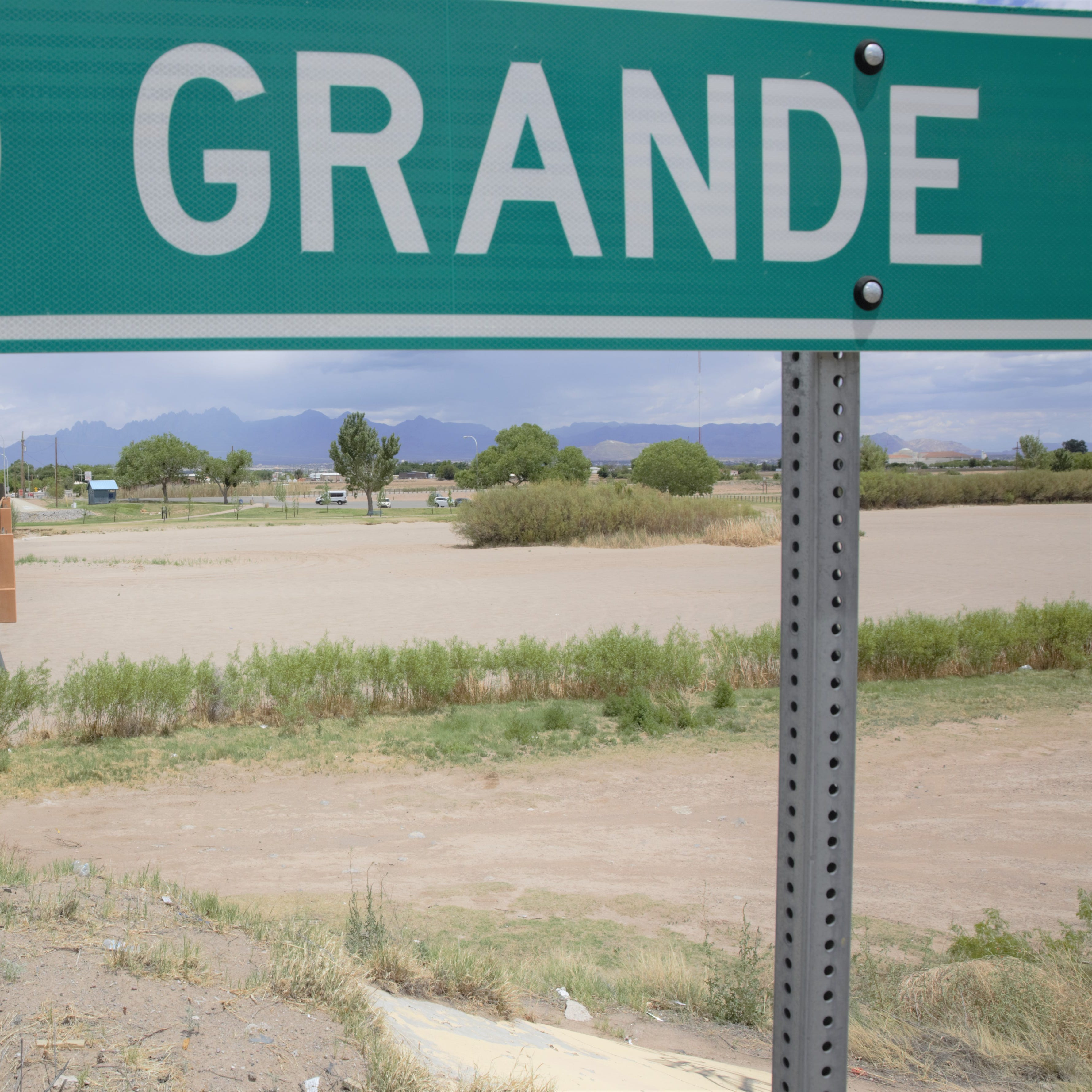When will Rio Grande start flowing in Las Cruces?