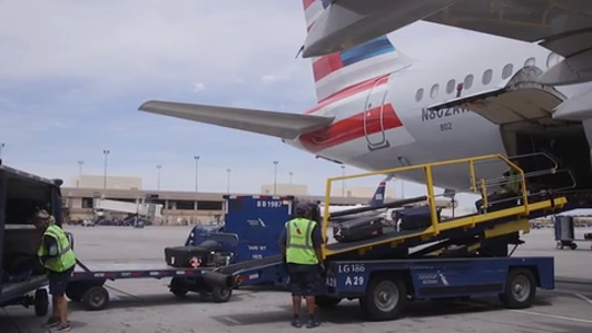 American Airlines blames mechanics for 2,200 flight delays, cancellations, warns of summer travel trouble