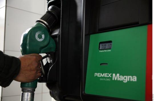 Gobierno mexicano busca refinanciar deuda de PEMEX.