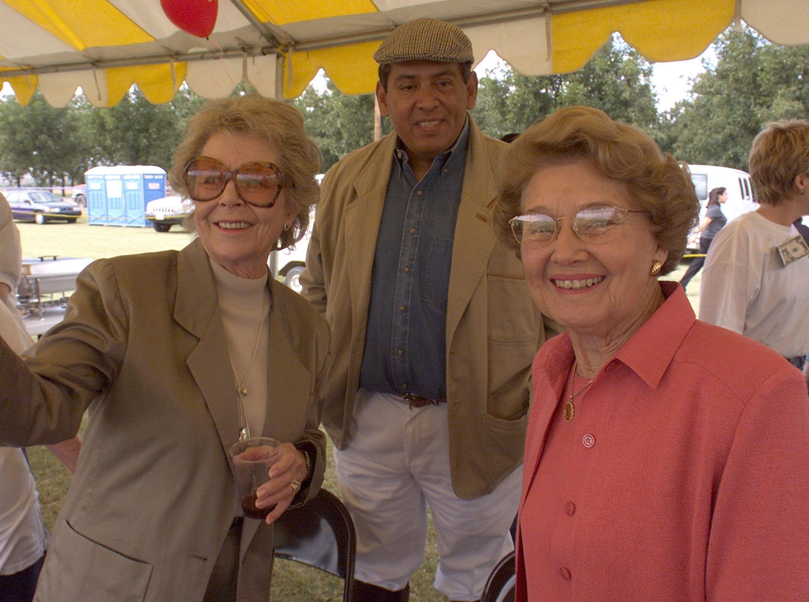 10/19/1999 Sue Ramsey, left, Dr. Raul Villalobos, center, and Jenna Welch.