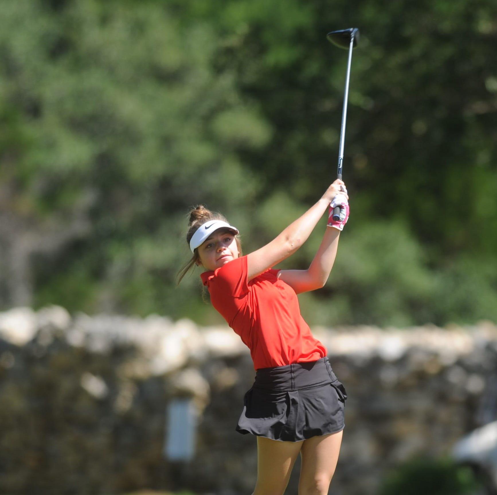 State golf: Olney's Mattie Barrington in 3rd after 1st round; Jacksboro sitting in 4th