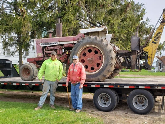 Nick Van Wychen and Bob talked about IH tractors all morning as they readied the 1206 to go to its new home.