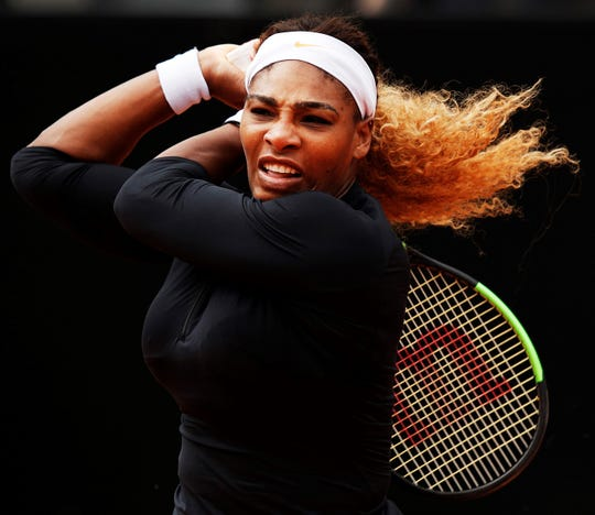 Serena Williams opened her clay-court season with an easy straight-set win in Rome.