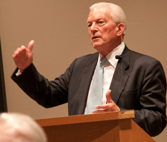 David Mulford, former U.S. Ambassador to India, speaking at his alma mater Lawrence University in Appleton at a previous visit to the university. Photo courtesy of Lawrence University.