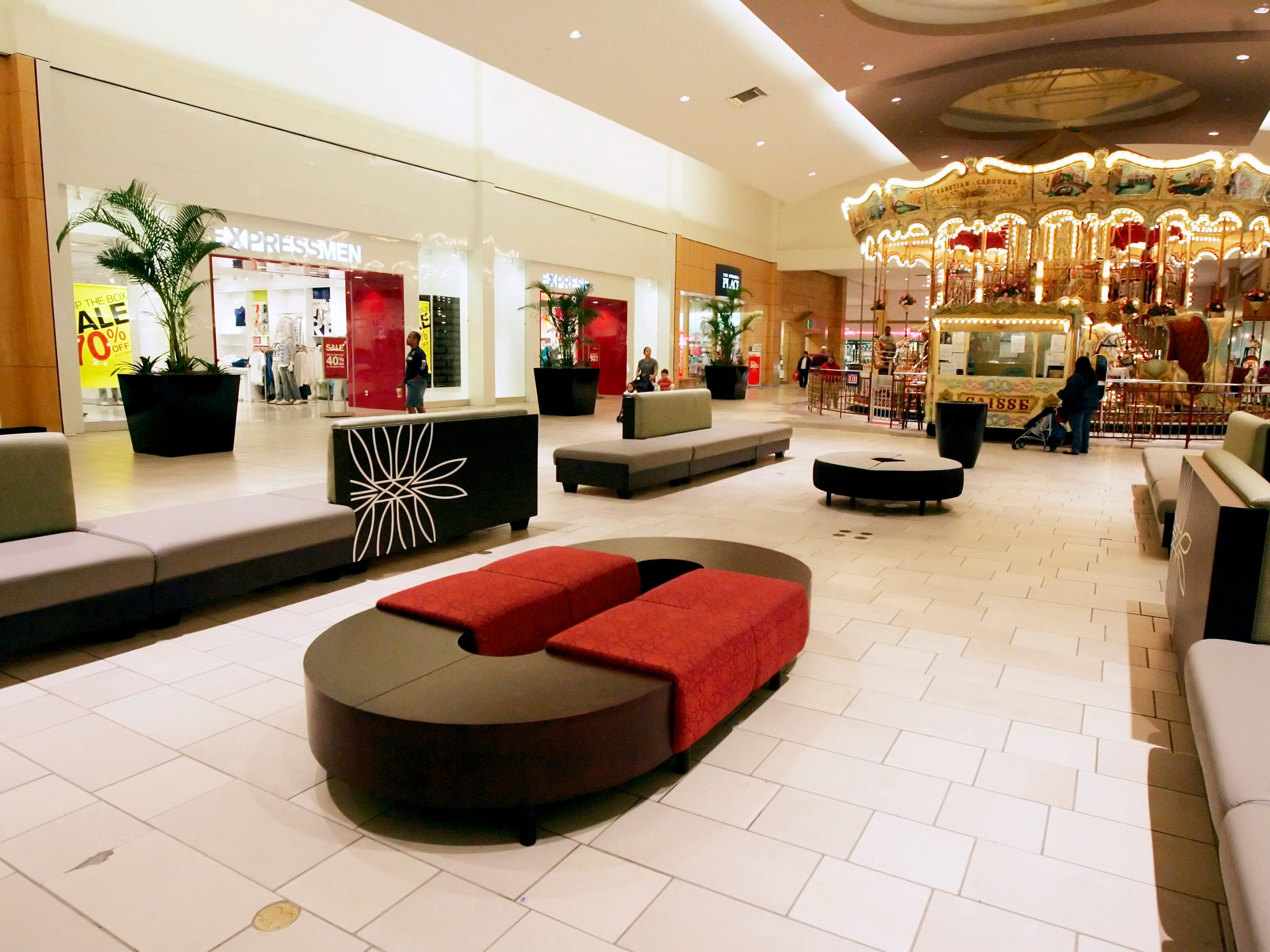 New, custom-built furniture was added in January 2009 as part of the upgrades planned for the mall's center court as owners work on phase 2 of their $50-million renovations at La Palmera in Corpus Christi. A water feature replaced the carousel.