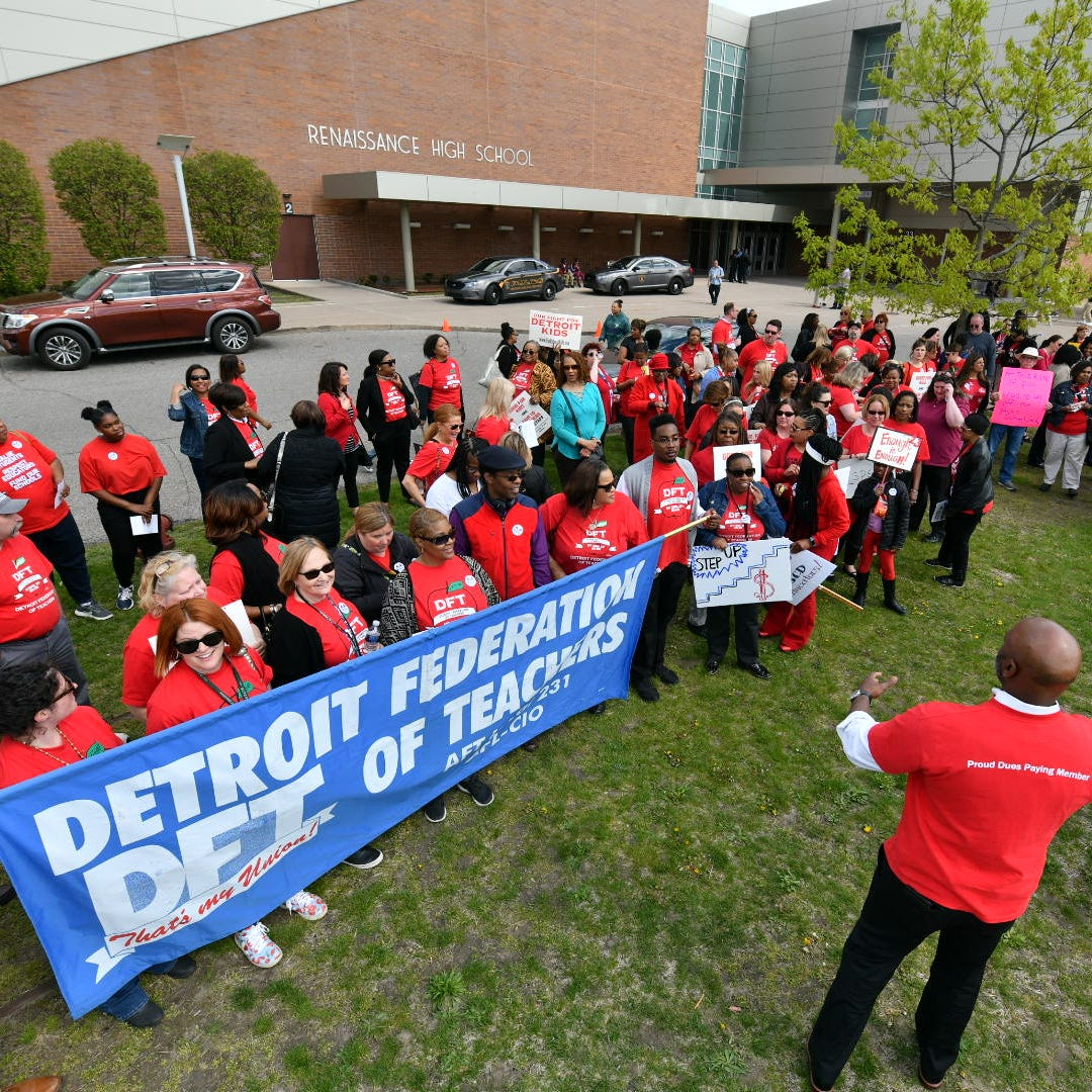 Detroit teachers call for better pay, building upgrades as superintendent scraps new school calendar